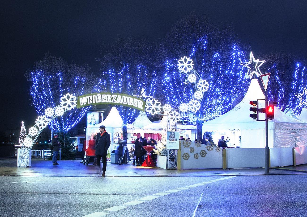 Jungfernstieg Weihnachtsmarkt.Der Weihnachtsmarkt Weisserzauber De